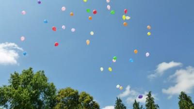 lâcher de 70 ballons