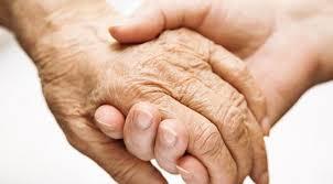 avec les personnes âgées