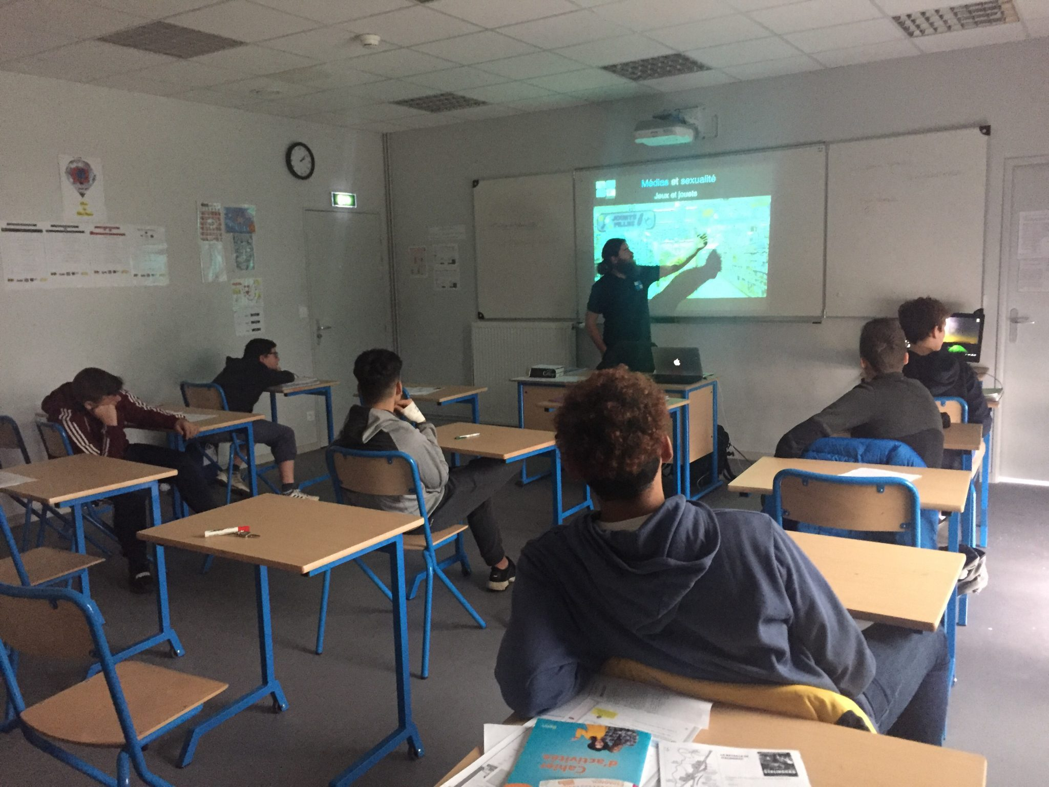 Génération numérique et la bonne utilisation des réseaux sociaux au Collège Sainte-Bernadette de Pau